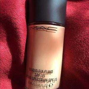 Mac studio fix fluid foundation shade Nc 18